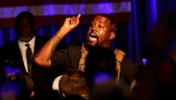Kanye West utilizó su cuenta de Twitter para pedirle a sus oponentes presidenciales Donald Trump y Joe Biden que lean libro sobre el empoderamiento de la comunidad negra. (Foto: REUTERS/Randall Hill/Archivo).