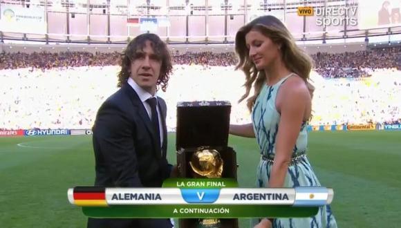 Puyol y Gisele Bündchen llevaron la Copa FIFA al Maracaná