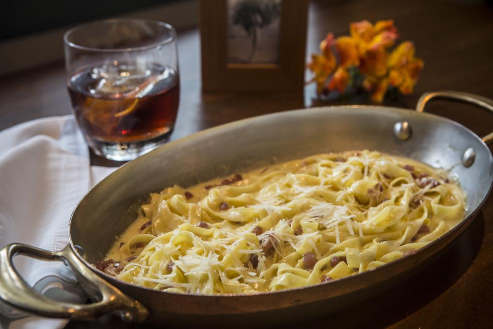 Fettuccine magnífico, con prosciutto, aroma de trufa, parmesano. Fotos: Maricé Castañeda.