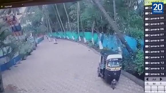 Man saves himself from dying in India