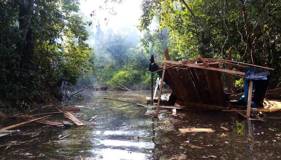 Las dragas fueron destruidas por las autoridades. Solo en este mes, ya se destruido nueve de estas estructuras. (Foto: Daniel Carbajal)