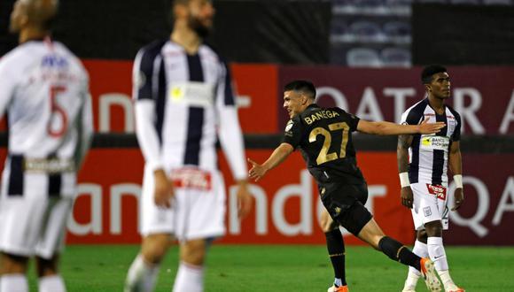 Alianza perdió ante Racing y ya suma nuve derrotas seguidas en la Copa Libertadores. El cuadro blanquiazul padece en el torneo internacional. (Foto: EFE)