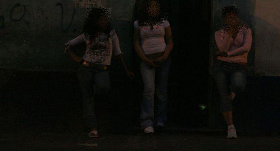 Separan a policías implicados en red de prostitución de menores