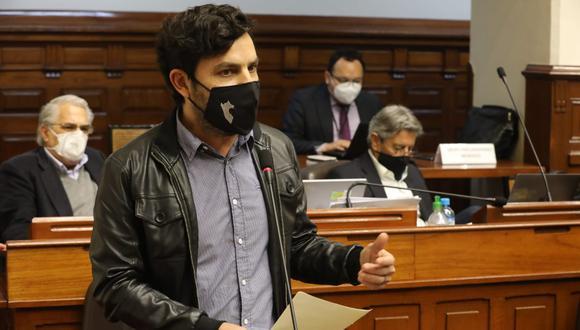 Daniel Olivares señaló que Manuel Merino no puede deslindar de su responsabilidad por las muertes en las protestas. (Foto: Congreso)