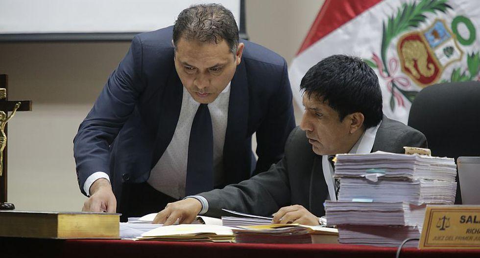 El juez Richard Concepción Carhuancho leyó su decisión de aprobar los 18 meses de prisión preventiva la madrugada del lunes 4 de diciembre. (Alonso Chero / El Comercio)