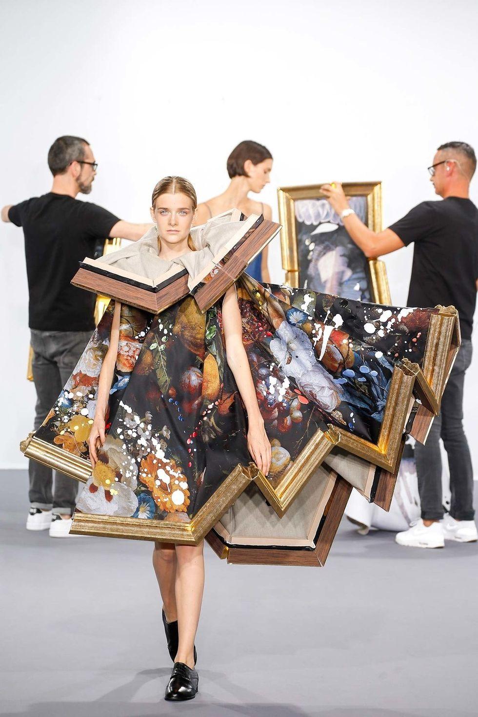 Los diseñadores Victor&Rolf presentaron su colección otoño-invierno 2015 de alta costura
