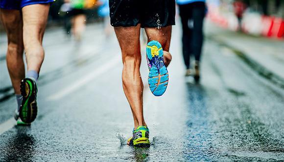 Es importante tener la implementación (ropa) adecuada para correr con comodidad.