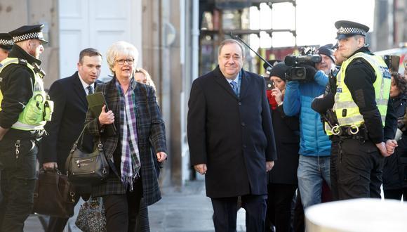 Alex Salmond está siendo juzgado por presunta agresión sexual a diez mujeres mientras se desempeñaba como primer ministro de Escocia. (Foto: EFE)