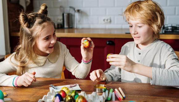 En esta Semana Santa la idea es pasar tiempo de calidad y entretenimiento con los que más quieres en casa. (Foto: cottonbro / Pexels)
