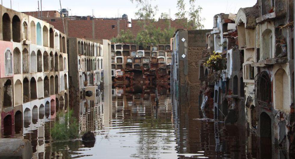 Cementerio de Túcume queda inundado por lluvias y se desploma - 5