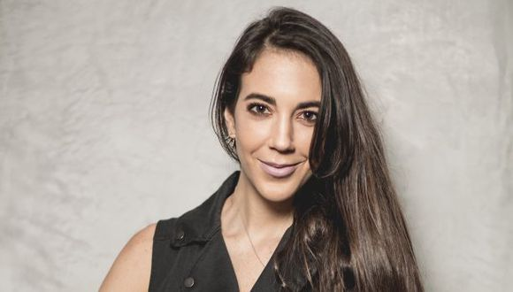 Kiara Pinasco en una foto de la revista Somos de El Comercio.