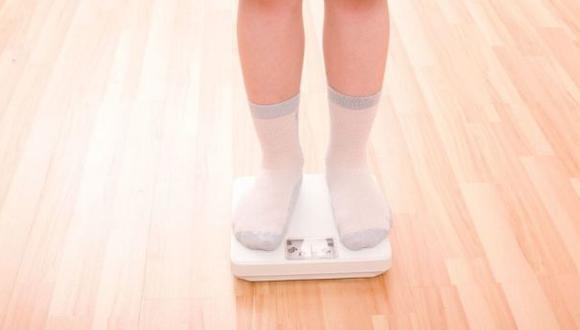 Tanto la desnutrición como el sobrepeso representan una seria carga para la salud de las familias, indicó Cepal. (iStock)
