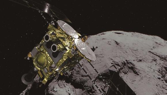 En febrero, Hayabusa2 ya había logrado posarse en Ryugu, un contacto furtivo que aparentemente posibilitó la recolección de polvo de la superficie de ese cuerpo interestelar.(Foto: EFE)