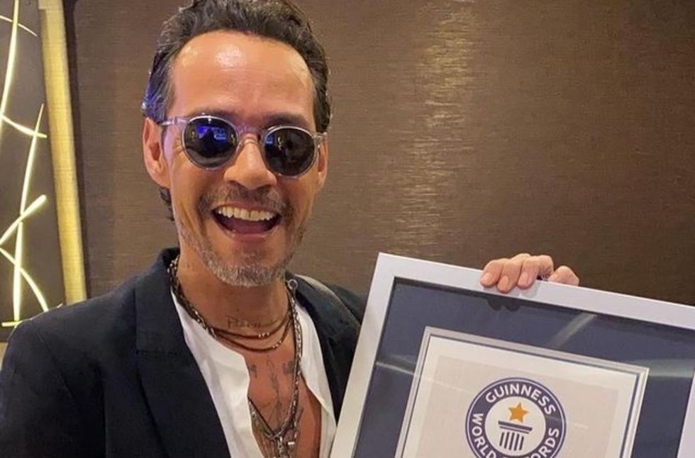 El cantante de salsa Marc Anthony continúa sumando éxitos a su extensa lista de reconocimientos y galardones. En esta oportunidad, recibió un récord Guinness por ser el artista masculino más galardonado de los Premios Lo Nuestro. (Foto: @marcanthony)