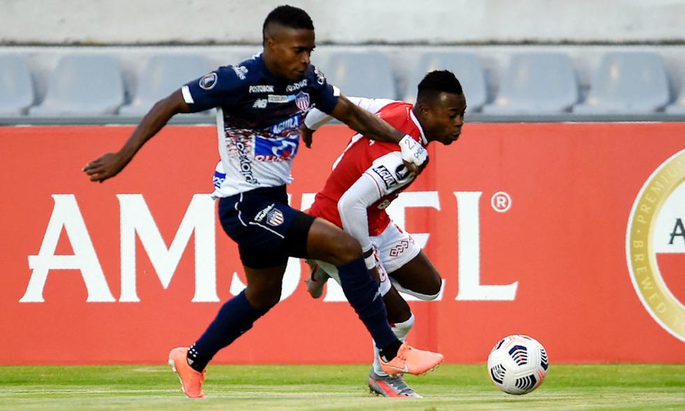 Junior chocó ante Santa Fe en Ecuador por la fecha final en la fase de grupos de la Copa Libertadores 2021 | Foto: AFP