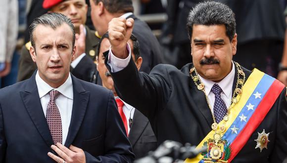 Tareck El Aissami junto a Nicolás Maduro el 15 de enero del 2017 en Caracas. (Juan Barreto / AFP).