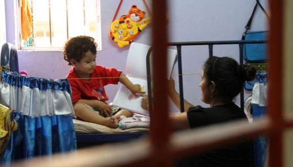 Casi 200 niños de hasta 3 años viven con sus madres en cárceles