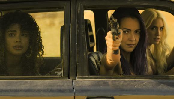 """De izquierda a derecha Yani Prado, Verónica Sánchez y Lali Espósito; protagonistas de """"Sky Rojo"""". Foto: Netflix."""