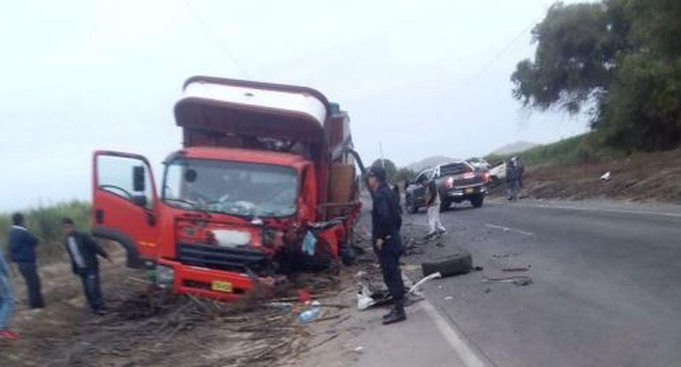 La Policía continúa realizando las investigaciones para conocer las causas del accidente. (Foto: Andina)