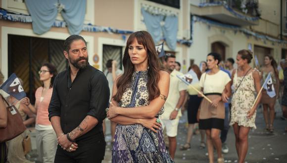 """""""White Lines"""". De izquierda a derecha Boxer (Nuno Lopes) y Kika (Marta Milans), miembros del mayor grupo de poder en Ibiza. Foto: Netflix."""