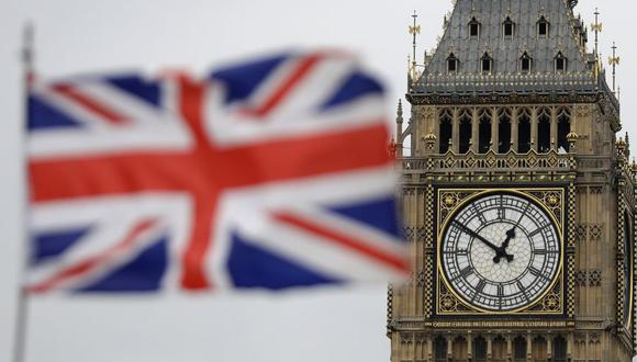 El Brexit, la histórica salida del Reino Unido de la Unión Europea, se hizo total una hora antes de la medianoche del jueves. (Foto: AP / Matt Dunham)
