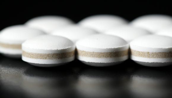 VIH: se busca reducir el tratamiento de tres a dos fármacos