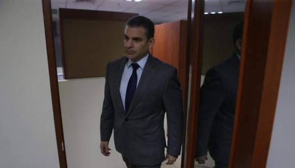 Rafael Vela Barba puso en conocimiento su decisión a la Fiscal de la Nación, Zoraida Ávalos, así como a los fiscales del equipo Lava Jato.