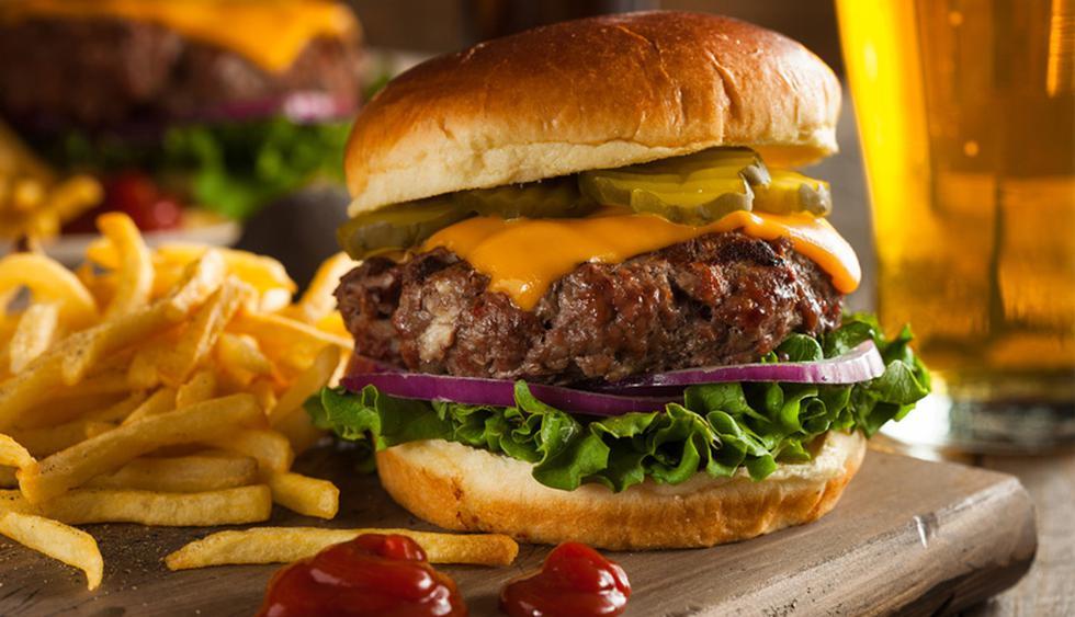 ¿Con ganas de comer una hamburguesa? Disfrútalas en los restaurantes que compartimos en esta nota. (Foto: Shutterstock)