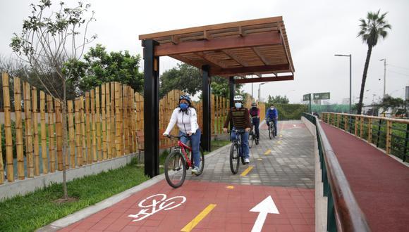 Los ciclistas deben respetar las normas y señales de tránsito para evitar ser multados. (Foto: GEC)