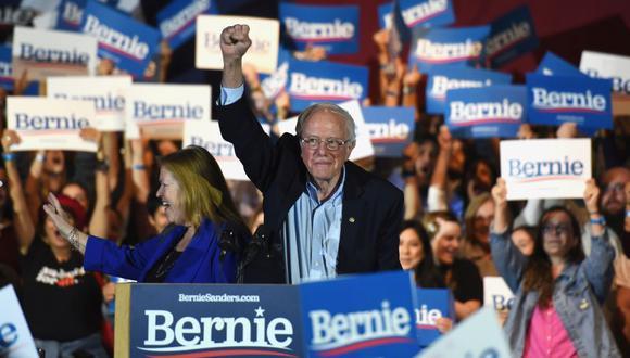 """""""Después de años en que alabó dictaduras socialistas como la cubana, la venezolana y la de la Unión Soviética, donde pasó su luna de miel, Sanders dice que cree en un socialismo democrático al estilo de los países nórdicos"""". REUTERS/Callaghan O'Hare"""