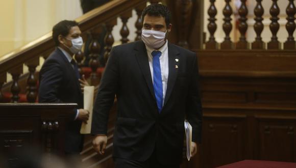 Guillermo Aliaga estuvo dentro de los 105 congresistas que respaldaron la vacancia contra Martín Vizcarra de la Presidencia. Tras las muertes de Inti Sotelo y Bryan Pintado, ofreció disculpas por su posición inicial. (Foto: GEC)