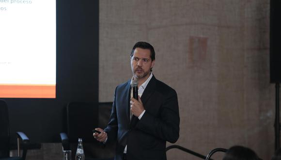 El director periodístico de El Comercio, Juan José Garrido Koechlin, estuvo a cargo de la presentación del proyecto.(Foto: Hugo Pérez)
