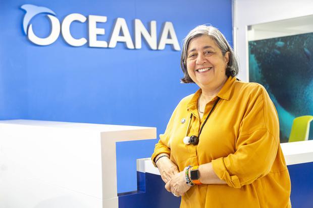Desde el 2015 es vicepresidenta de la organización internacional Oceana. Desde entonces, junto a su equipo, impulsa mejoras para la política pesquera en el país.