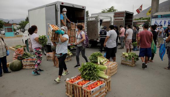 Las Fuerzas Armadas y Policía resguardan los mercados de Pachacámac. (Foto: Anthony Niño de Guzmán)