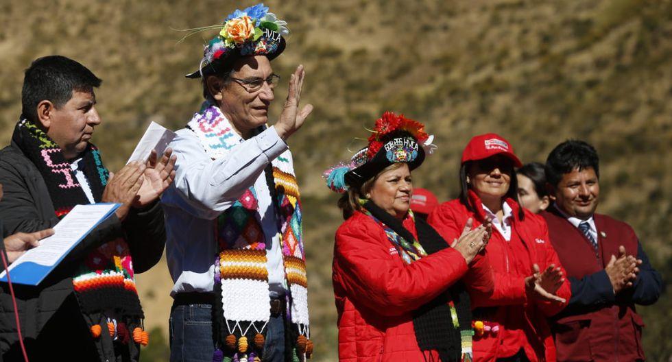 """El presidente Martín Vizcarra pidió en Huancavelica que se deje de generar polémica """"alrededor de un color"""" y criticó el machismo. (Foto: Presidencia de la República)"""
