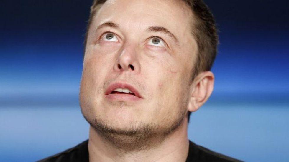 Elon Musk es considerado por muchos un loco... y por otros, un visionario.