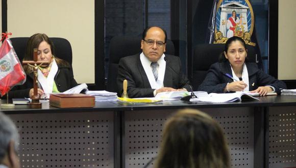 Los integrantes de Juzgado Penal Colegiado Transitorio de Lima Norte condenó a 29 años de cárcel al profesor Óscar Cahua Apaza. (Foto: Corte Superior de Justicia de Lima Norte/Twitter)