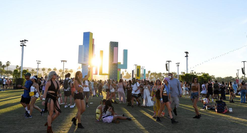 En esta foto de archivo, tomada el 14 de abril de 2019, las personas asisten al festival de música de Coachella, en Indio, California. Los festivales de música 2020 Coachella y Stagecoach se cancelaron después de posponerse inicialmente a octubre de 2020. (VALERIE MACON/AFP)
