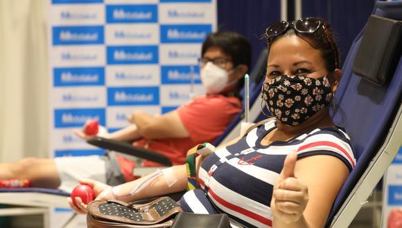 ESSALUD continúa con las campañas en centros comerciales para la donación de sangre (Foto: Seguro Social)