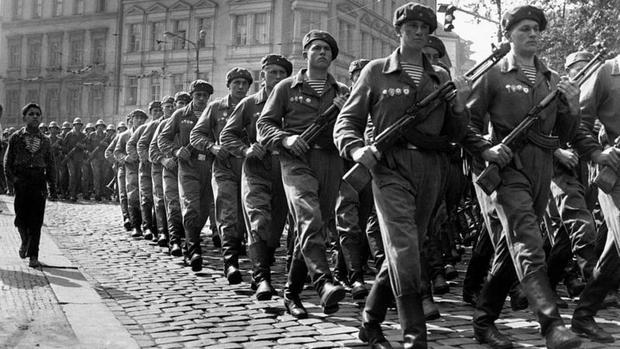 China criticó con dureza la invasión soviética de Checoslovaquia. (GETTY IMAGES)