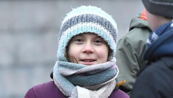 """La activista medioambiental sueca Greta Thunberg participa en la huelga climática semanal """"Viernes para el futuro"""" afuera en una emergencia climática afuera del parlamento sueco en Estocolmo. (Foto: .AFP)."""