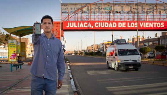 Leonardo Aparicio (en la foto) quiso solucionar el problema de transporte en su natal Juliaca (Puno). Al proyecto se sumaron Renato Hurtado y Juan Pablo Muñoz. Su propuesta ganó la categoría Transporte y Logística. (Foto: Uriel Montúfar / Somos)