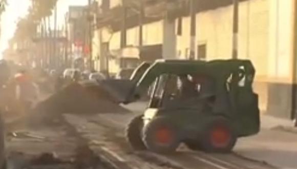 """""""Un caos total para salir de Chorrillos a Barranco, (me toma) una hora y 20 minutos"""", señaló un conductor. (Foto: Captura de TV)"""