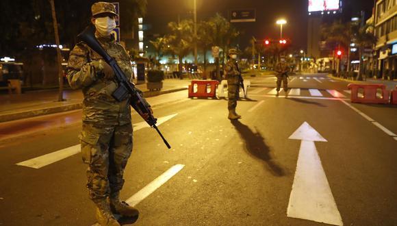 El toque de queda en Lima el Callao ahora rige de 11 de la noche a 4 de la madrugada. (Foto: archivo / EFE)