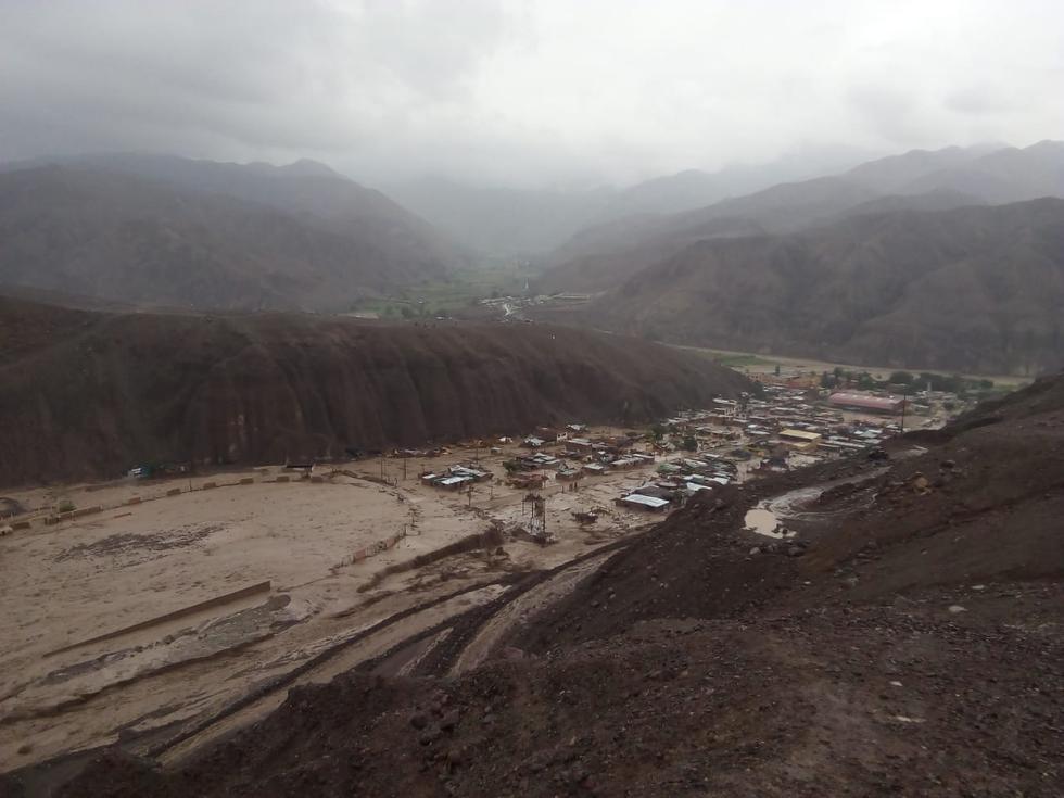 Tacna: así fue el ingreso de huaico al distrito de Ilabaya | FOTOS y VIDEOS
