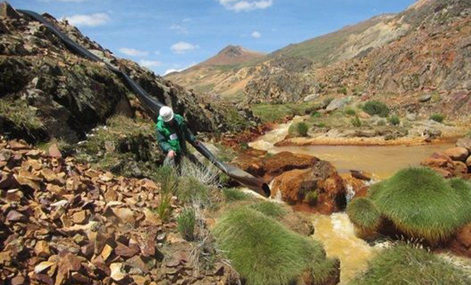 Esta es la cuarta medida preventiva que el OEFA dicta contra la minera Aruntani, que opera en el distrito de Ocuviri explotando mineral aurífero en la zona. (Foto: OEFA)