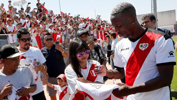 Luis Advíncula elegido por los hinchas como el mejor fichaje del Rayo Vallecano. (Foto: AFP)