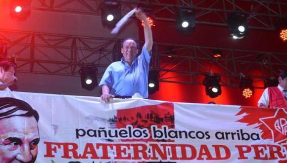 Luis Alva Castro participó en el mitin por el Día de la Fraternidad Aprista el pasado 23 de marzo. (Foto: Manuel Carranza / Facebook)