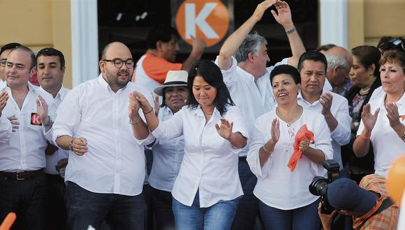 Keiko Fujimori presentó ayer a Columbus. Martha Moyano (der.) busca ser teniente alcaldesa en la lista. (Foto: Alonso Chero)