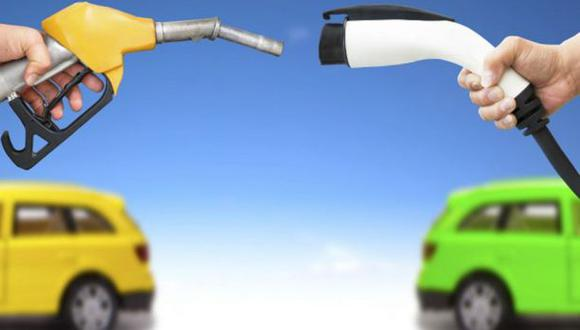 ¿Cómo el auto a gasolina superó al eléctrico y al de vapor?